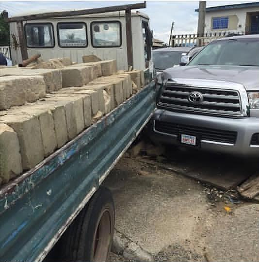 Photos: Car dealer threatens to kill truck driver for crashing into two brand new cars