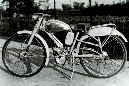 Ducati Cucciolo on a Nettunia frame