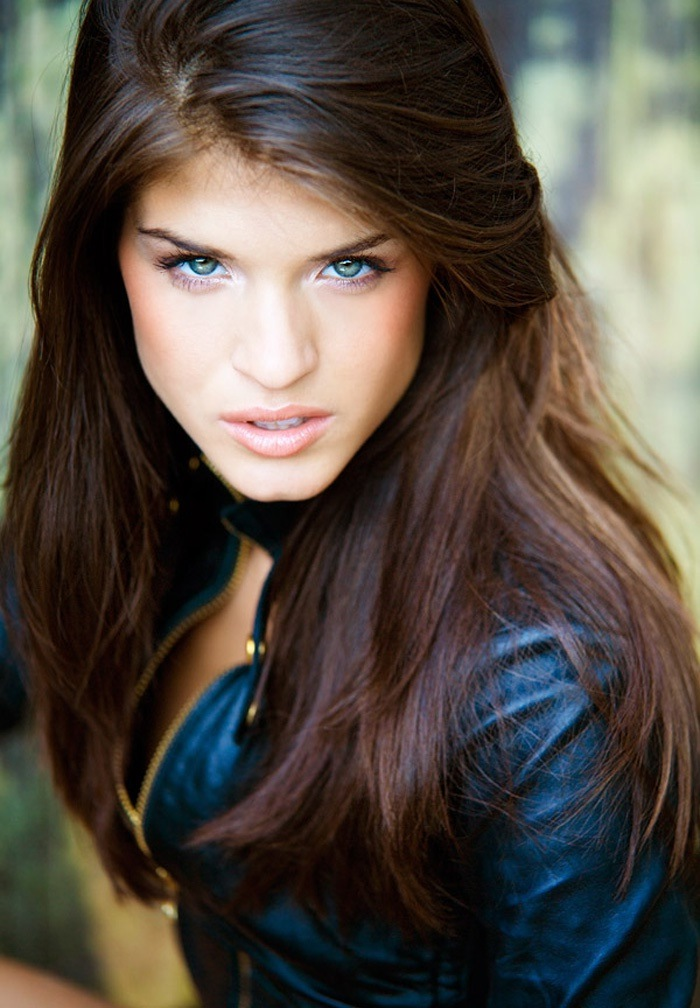 Marie Avgeropoulos Pictures Gallery 2  Film Actresses-2504