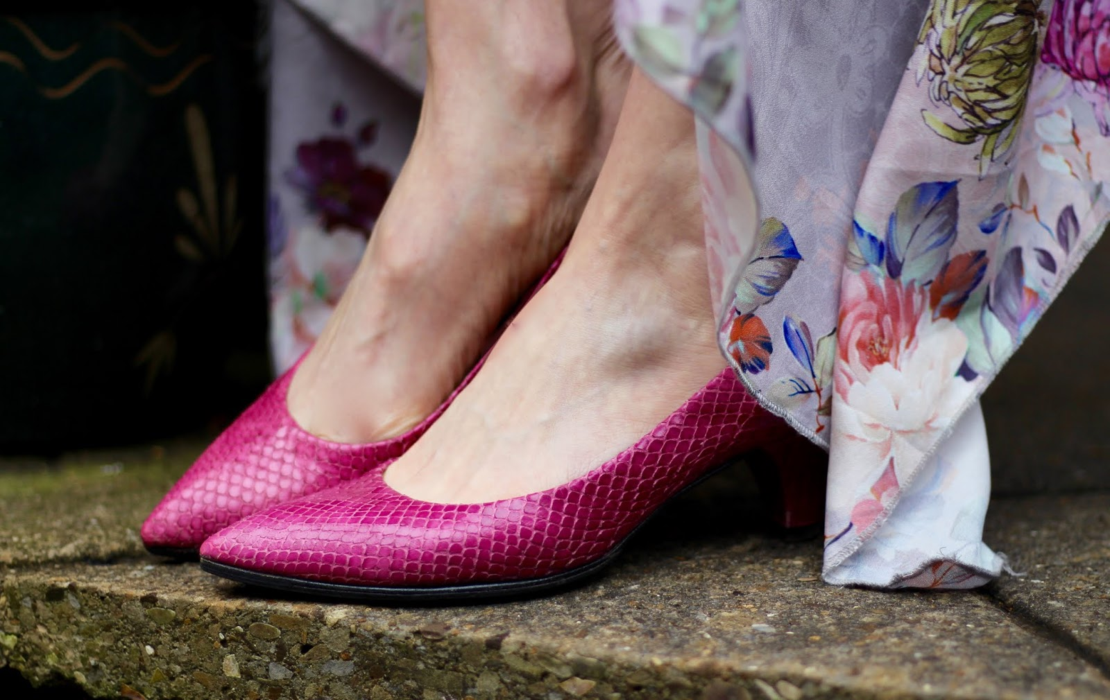 Pink Shoes, Floral Hanky Hem Dress and Blue Wrap | Fake Fabulous