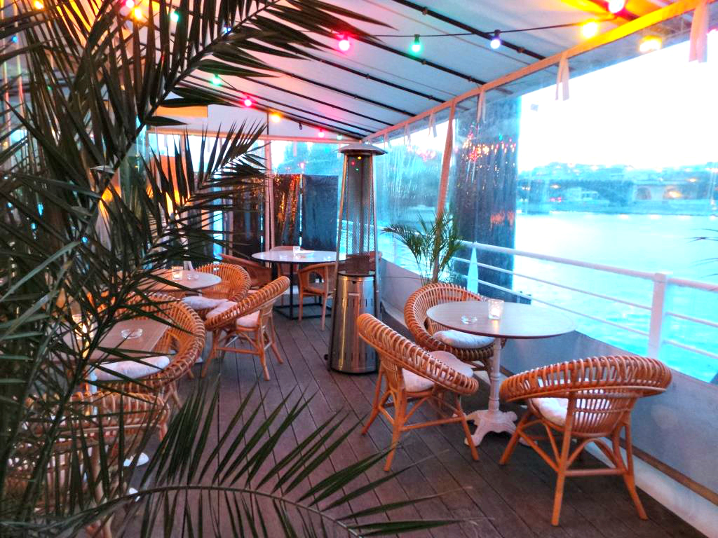 polpo une brasserie l 39 ambiance estivale la parisienne. Black Bedroom Furniture Sets. Home Design Ideas