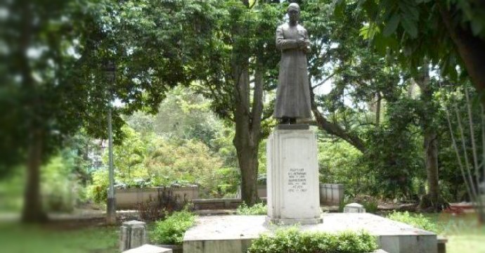 Patung H.C.Verbraak di Taman Maluku