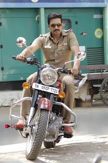 Santhanam Amyra Dastur Starring Odi Odi Uzhaikkanum Tamil Movie Stills  0001.jpg