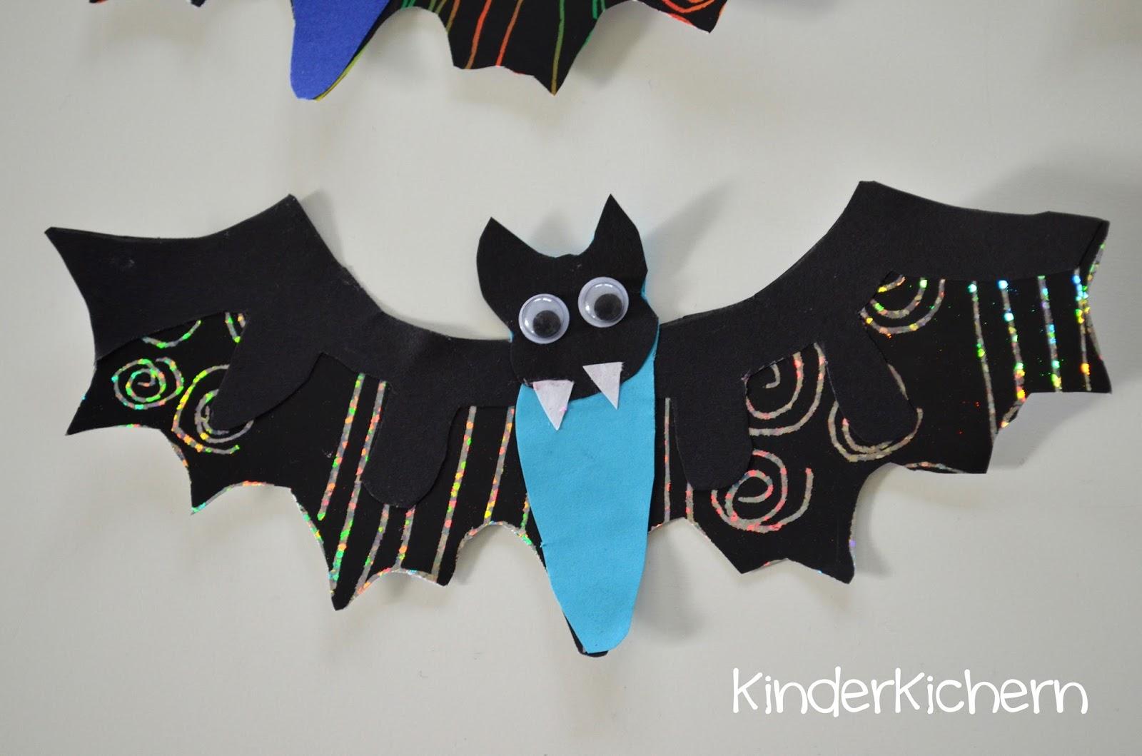 KinderKichern: Fledermäuse zu Halloween basteln