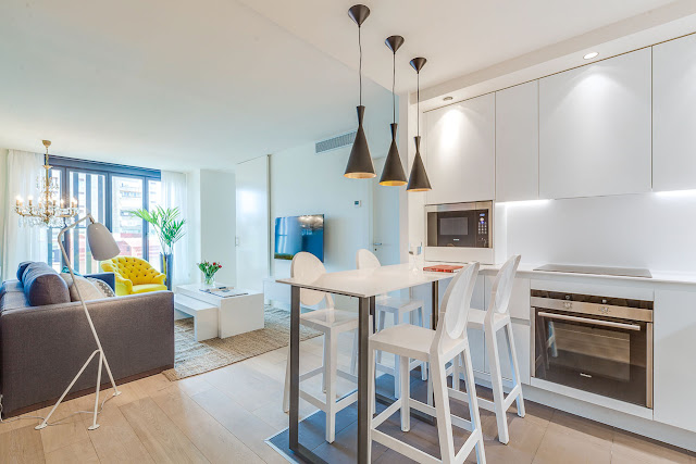 decor modern, colorat si practic intr-un apartament de 65 m²