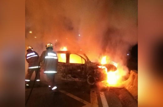 Kereta Terbakar, Tiga Termasuk Wanita Terselamat