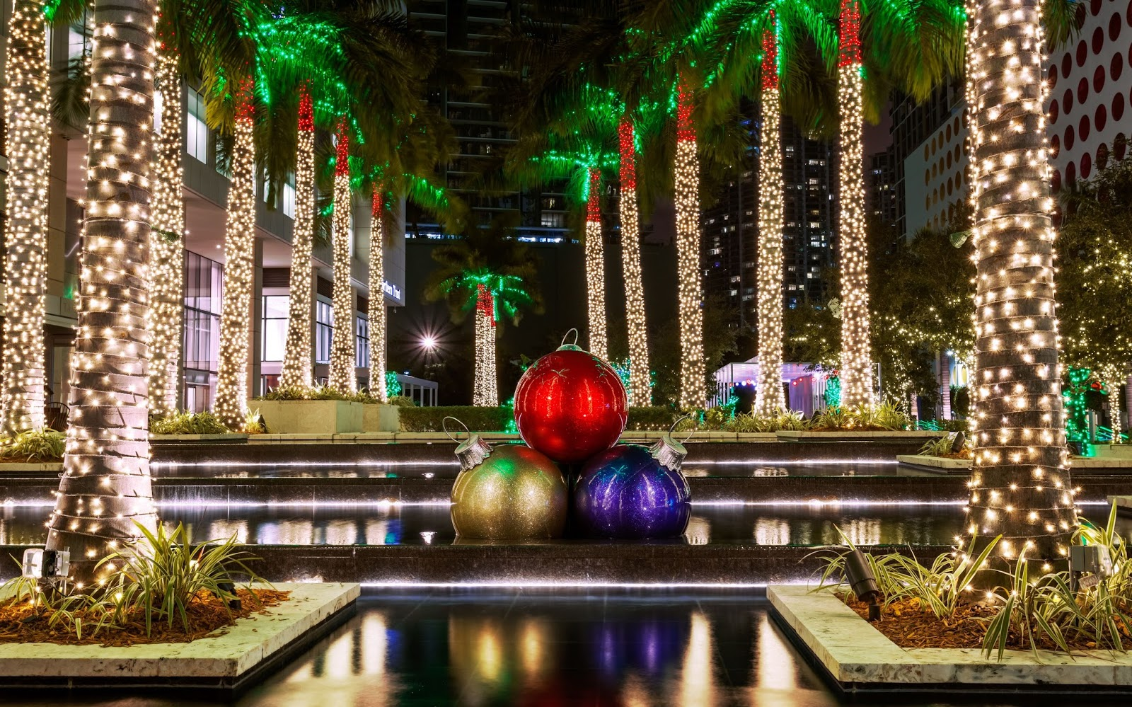 Miami riches real estate blog for American christmas decoration