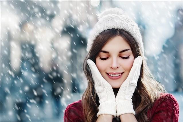 إحمي بشرتك من الجفاف في فصل الشتاء مع هذا الروتين!