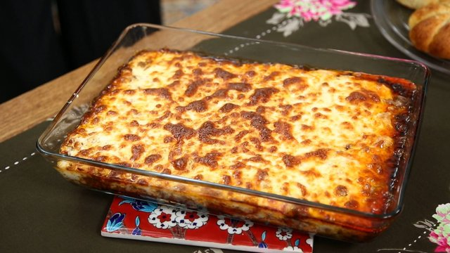 nurselin mutfagi besamel soslu musakka