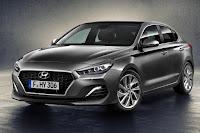 Hyundai i30 Fastback (2018) Front Side