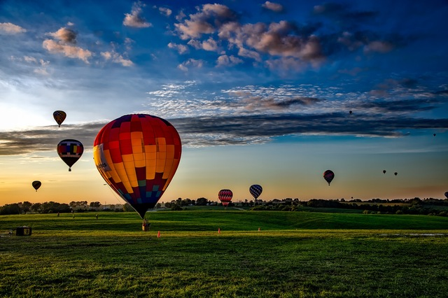fun-hot-air-balloons-embrace-life-joyful-jemma