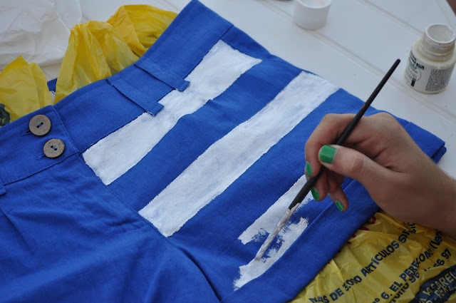 something fashion blog valencia, valenciafashionblogger fblogger spain, tutorial DIY stars stripes shorts, painting, lookbooker blogger outfit look, trends 2015 do it yourself easy how to shorts US flag, topshop inspired summer pants