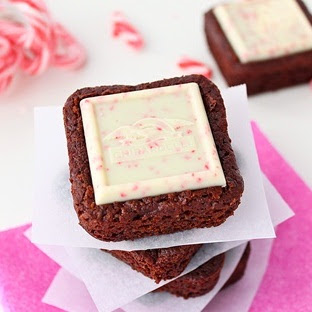 peppermint bark cakes | roxanashomebaking.com