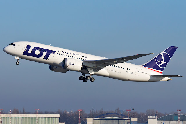Polish Airlines Boeing 787-8 Dreamliner