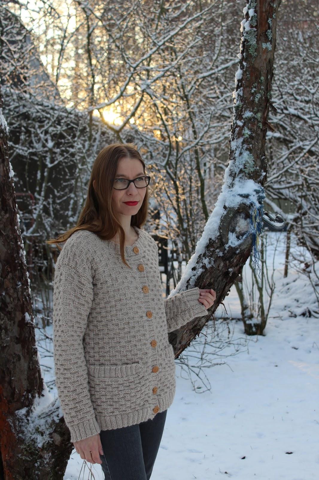 8be62c687d8 ... kyllä raaskinut ostaa sen hintaisia lankoja mutta takki olikin tulossa  lahjaksi siskolleni