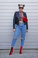 https://www.karyn.pl/2019/04/panterkowy-top-i-jeansowe-spodnie-z.html