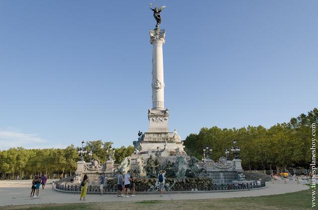 Viaje Francia Quinconces visitar monumentos Burdeos Bordeaux