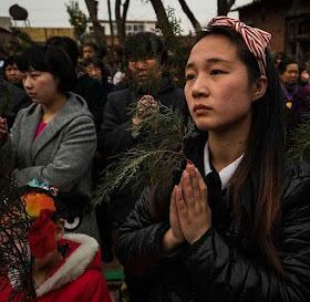 Os católicos fiéis comemoraram a Páscoa e a Ressurreição na dor e na perseguição. Mas com heroísmo de mártires.
