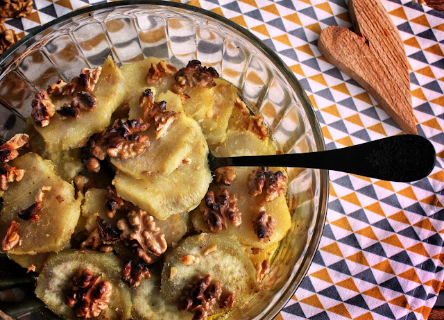 Patate dolci al gratin con noci e succo d'arancia