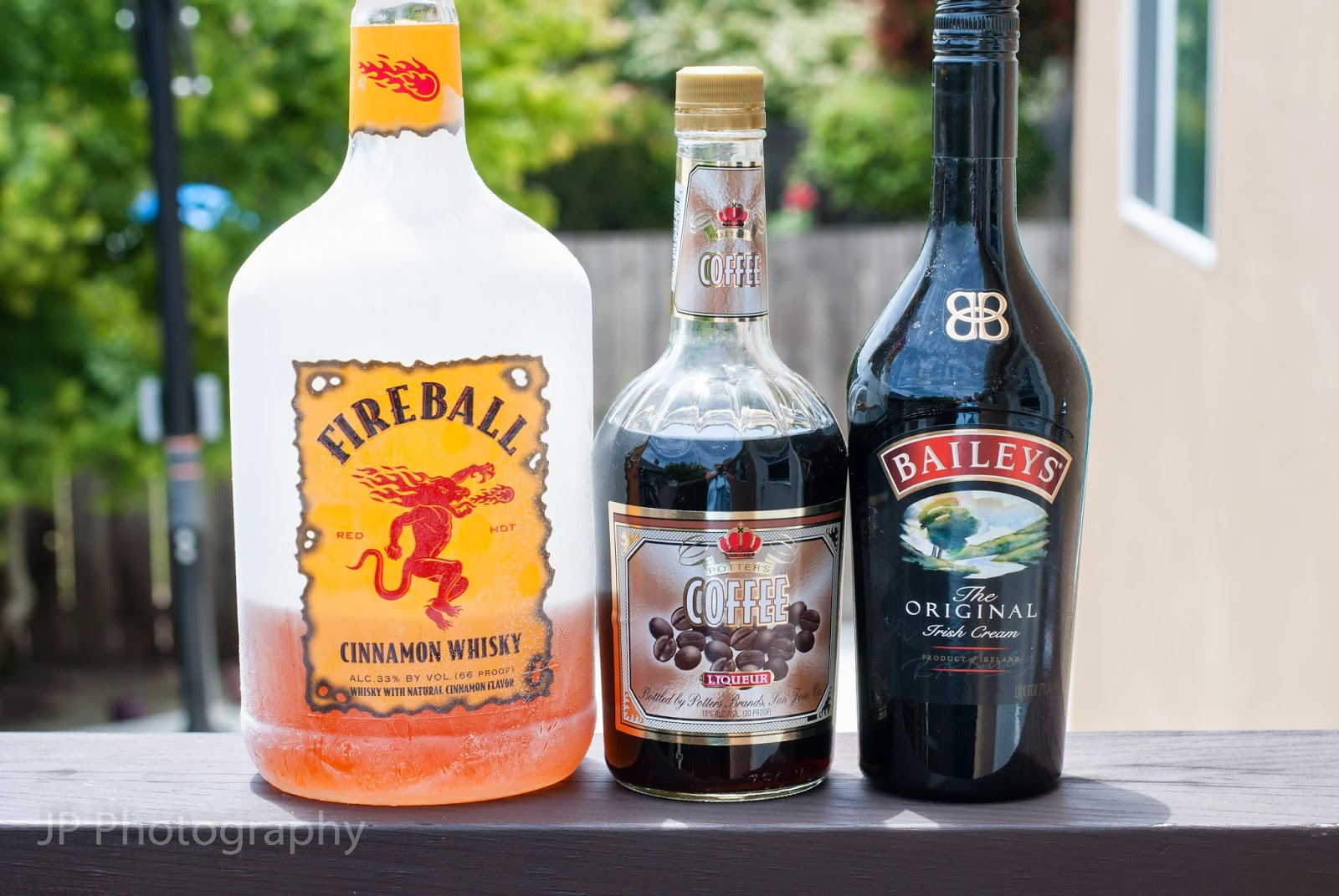 cinnamon latte, cocktail, fireball whisky, cinnamon whisky, coffee liqueur, baileys irish cream liqueur