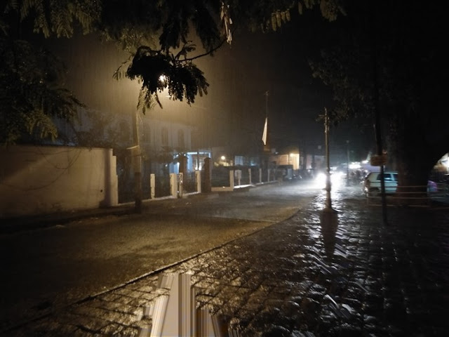 fort kochi rain in night