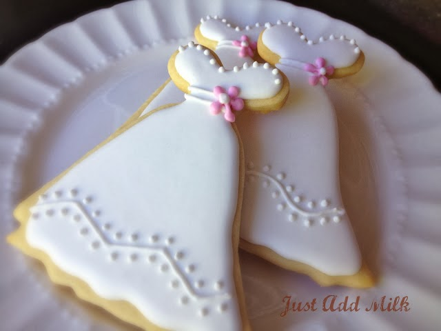white wedding dress cookies