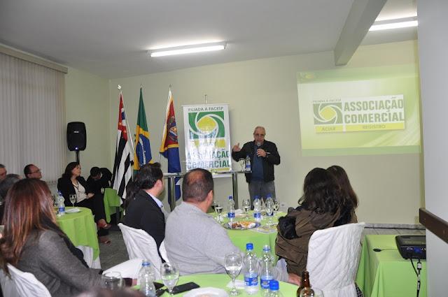 """ACIAR promove """"Encontro de Amigos"""" visando atrair novos associados"""