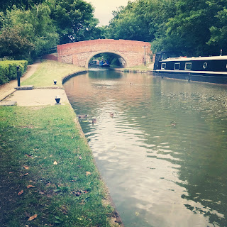 A walk along the Canal in Milton Keynes