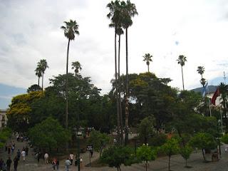 Plaza 9 de Julio, centro de la ciudad colonial de Salta