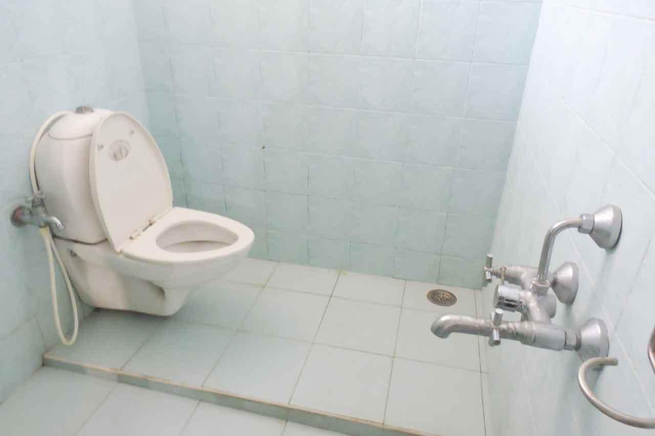 sri gardens ecr restroom photos