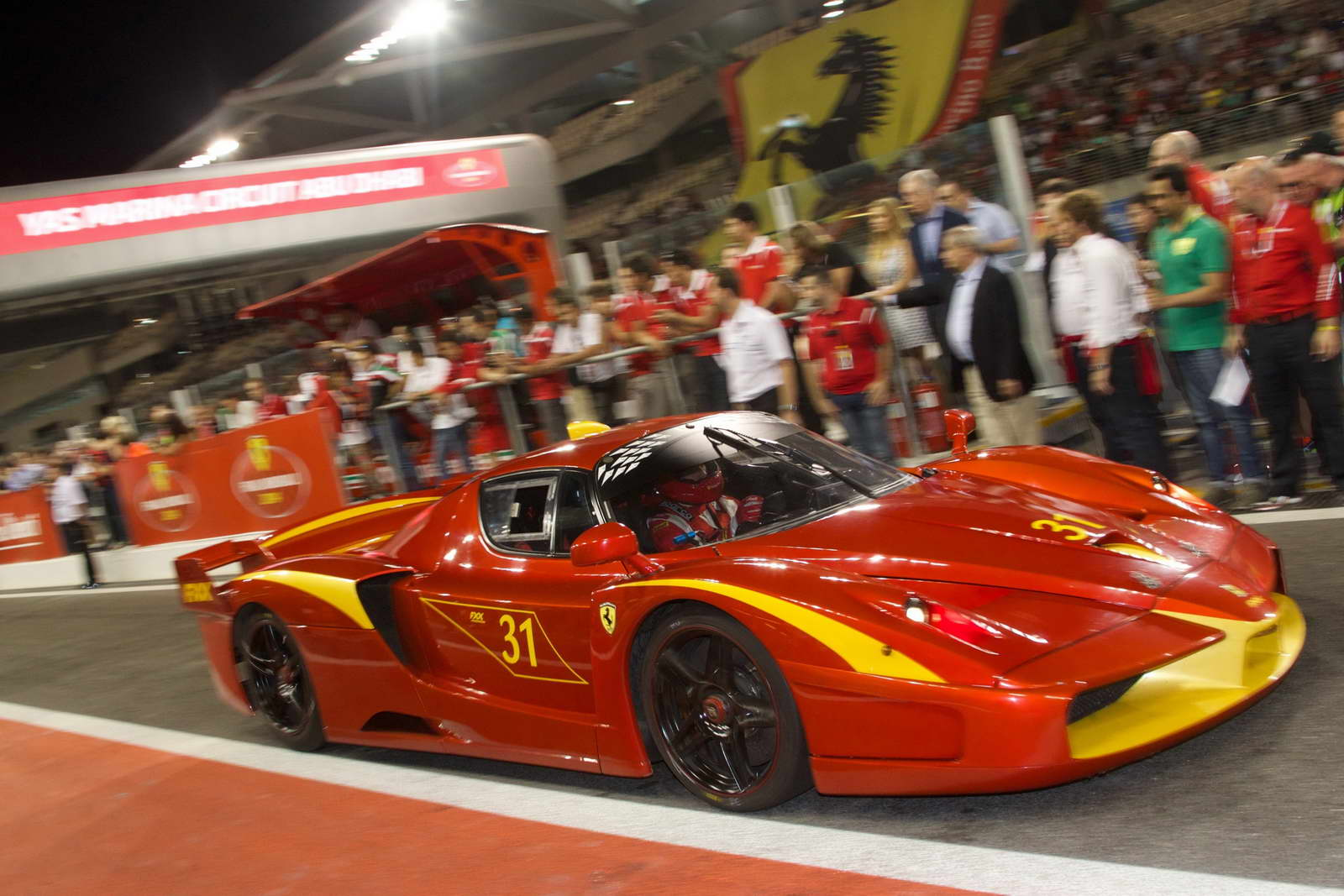 Perfect 10: More Videos and Pics of Ferrari FXX K Launch