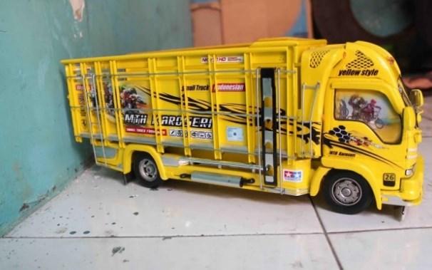 foto miniatur truk buatan malang