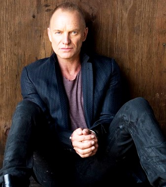 Foto de Sting con cabello muy corto