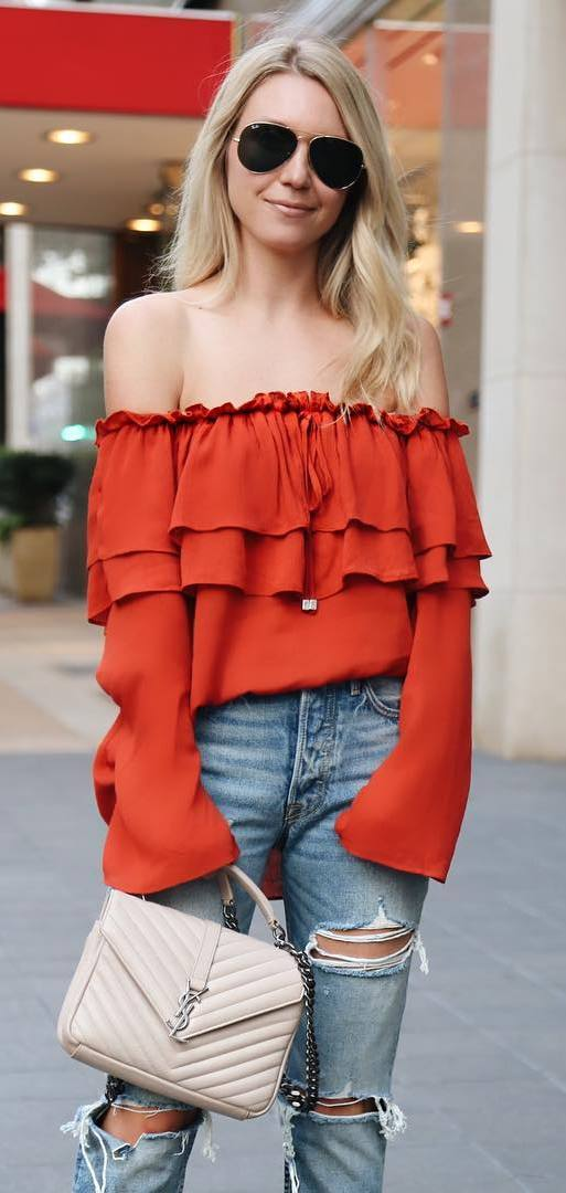 fashionable outfit: off shoulder top + rips + bag