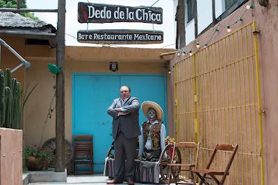 Erick Jacquin em frente ao restaurante Dedo de La Chica - Divulgação/Band