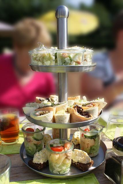 wrap salad, rolls salad