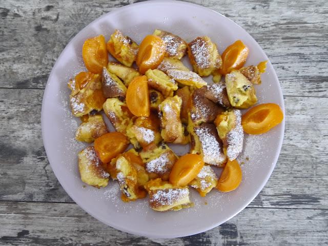 Kaiserschmarrn - omlet cesarski z morelami - Czytaj więcej »