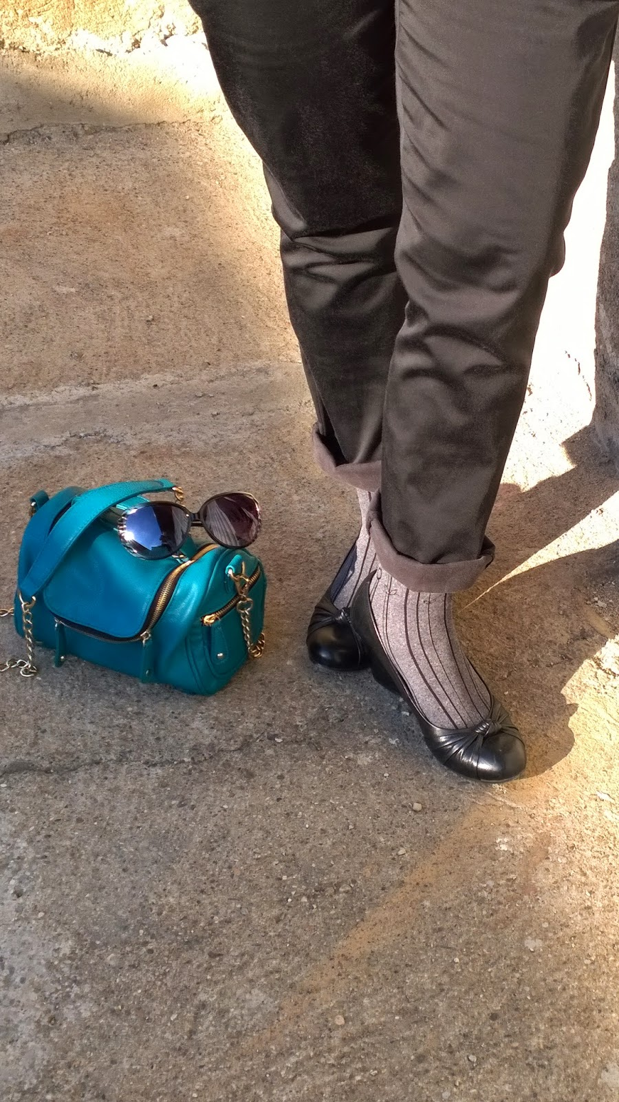 Shoes & socks, handbag & sunglasses