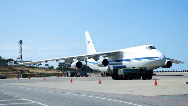 Diálogo : Aterrizan en Venezuela dos aviones bombarderos rusos