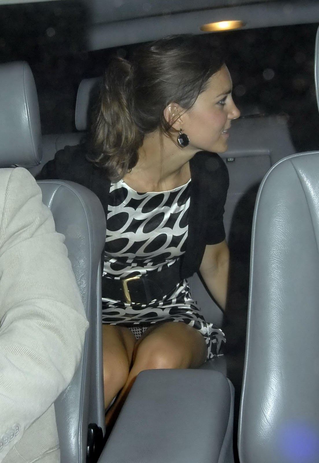 Upskirt in a car
