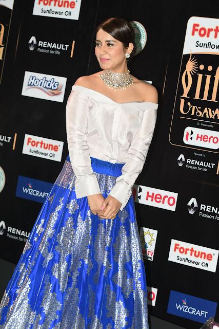 rashi khanna at iifa utsavam awards 2017