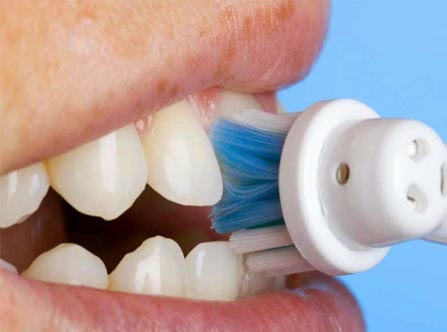 cara menghilangkan plak gigi yang keras membandel akibat rokok pad anak secara  alami tradisional baking soda 3a18f5e9c7