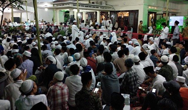 Berpakaian Putih, Lautan Umat Berkumpul di Ciganjur Peringati Sewindu Haul Gus Dur