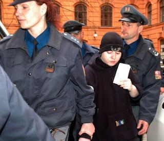 Barbora Skrlová: A verdadeira história de A Órfã