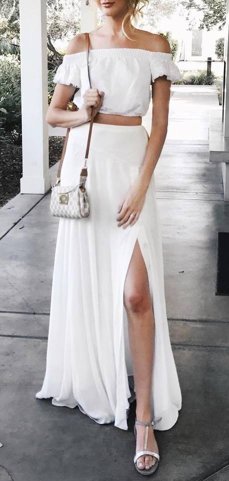 white bohemian style addiction: crop top + bag + maxi skirt