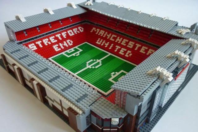 Stade de football en LEGO