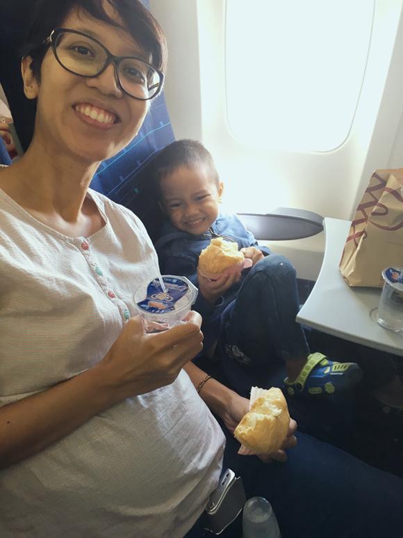 naik-pesawat-sriwijaya-air-saat-hamil