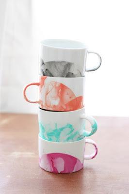 tutorial diy marbled mugs from nail polish