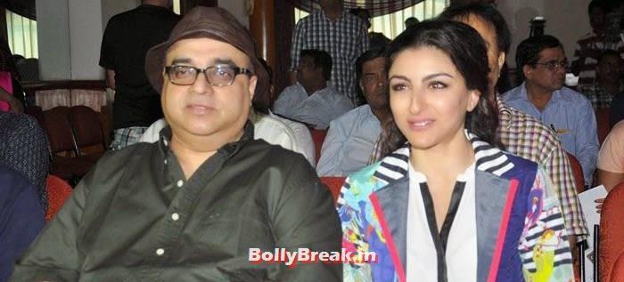 Rajkumar Santoshi, Soha Ali Khan, Soha Ali Khan Promote Movie 'Chaarfutiya Chhokare'