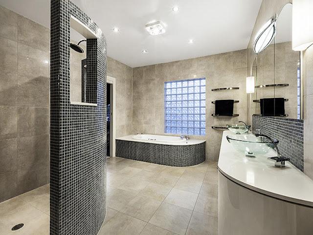 Lavish Bathroom Faucet Design with Luxurious Swarovski Crystals Lavish Bathroom Faucet Design with Luxurious Swarovski Crystals Lavish 2BBathroom 2BFaucet 2BDesign 2Bwith 2BLuxurious 2BSwarovski 2BCrystals6